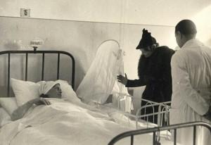 Donna-rachele-visita-ospedale-300x206