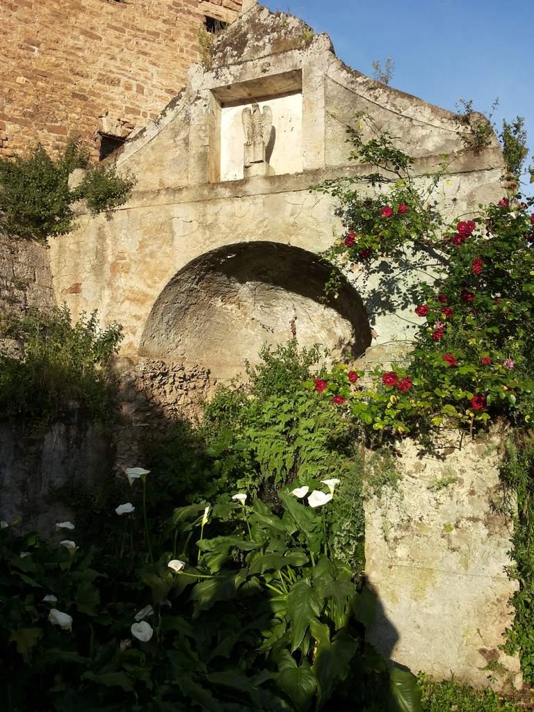 Doganella di ninfa centro dell 39 impero di costantinopoli for Doganella di ninfa