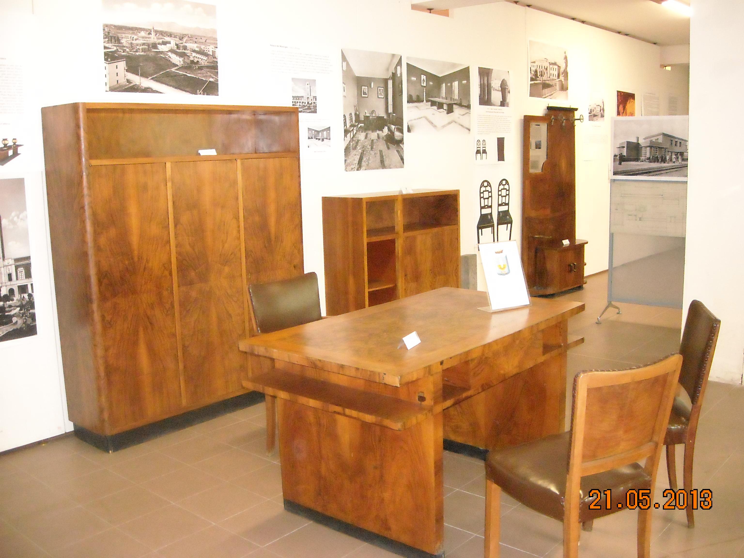 Design E Arredamento D Interni.La Biblioteca Albenziana Di Latina Presenta Arredi E Design